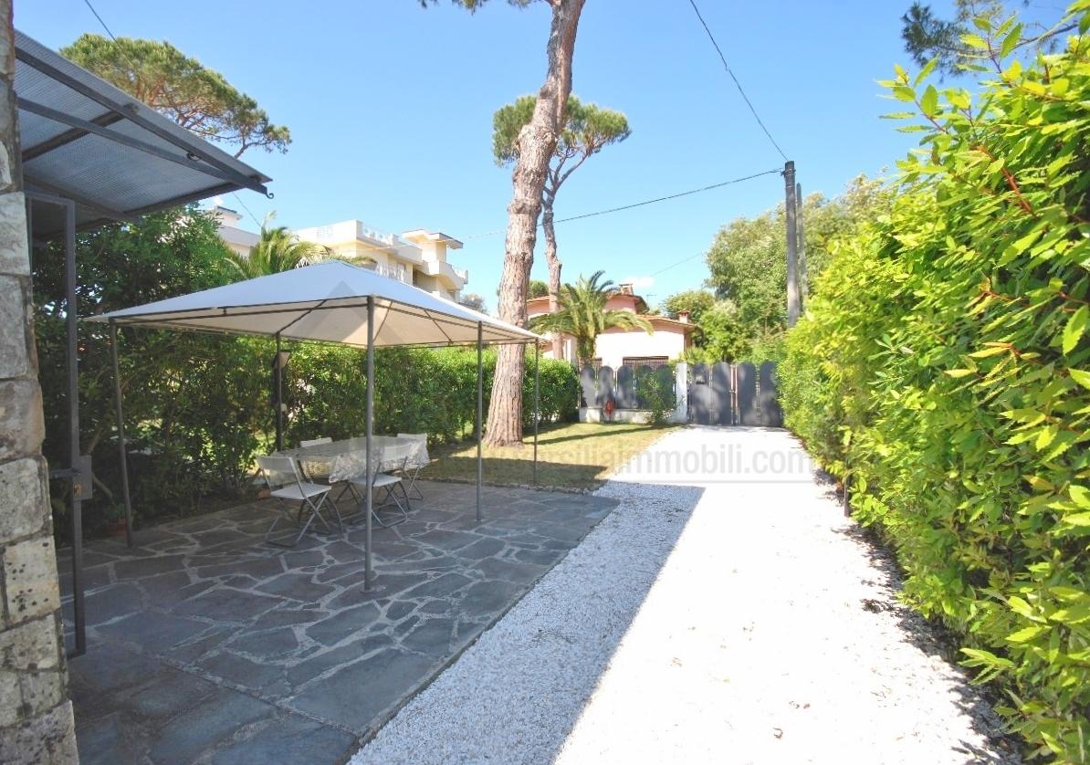 Appartamento in affitto a Pietrasanta, 3 locali, Trattative riservate | Cambio Casa.it