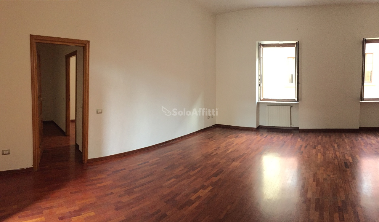 Appartamento trilocale in affitto a Lodi (LO)