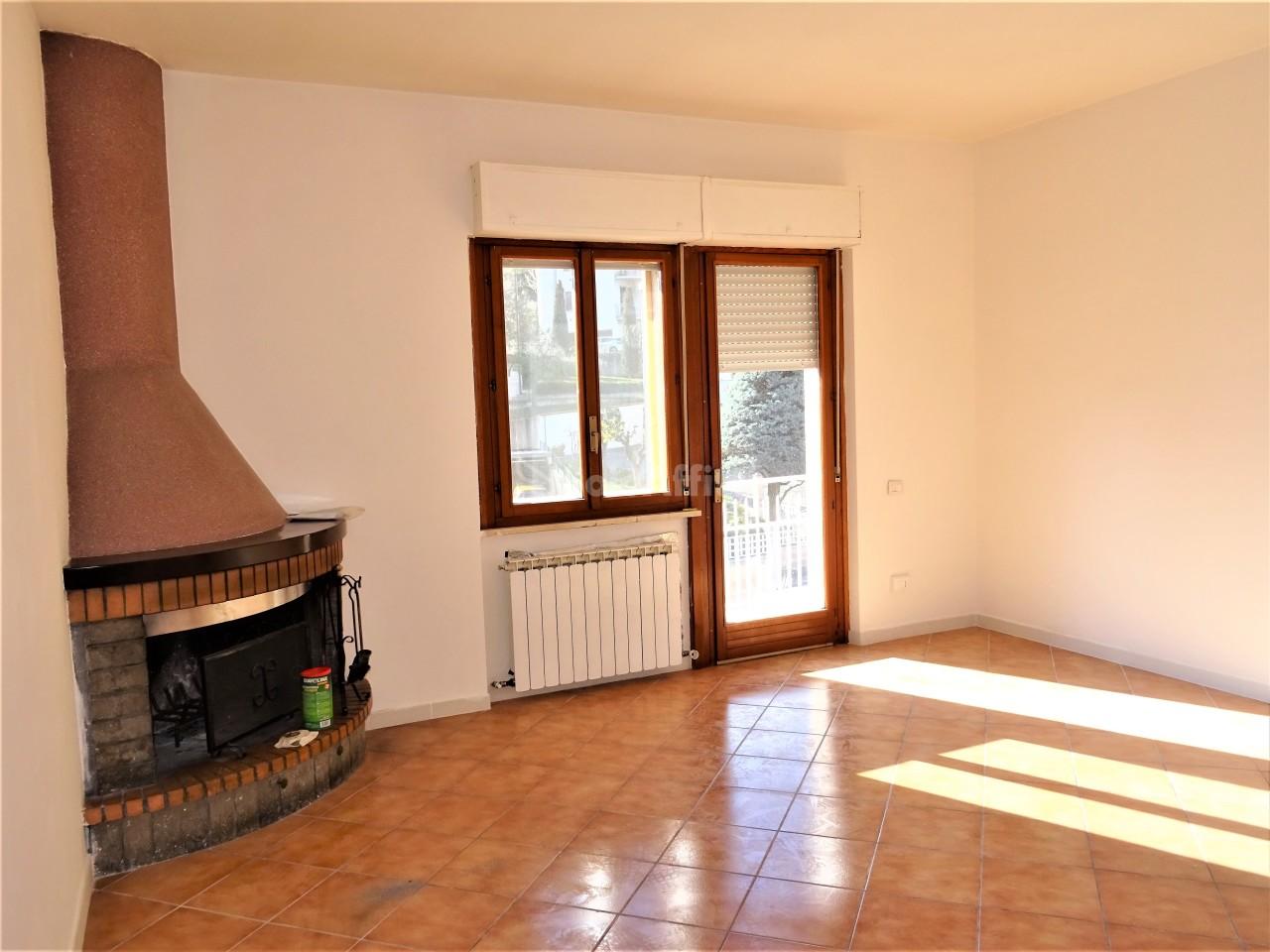 Appartamento in affitto a Casine, Ostra (AN)