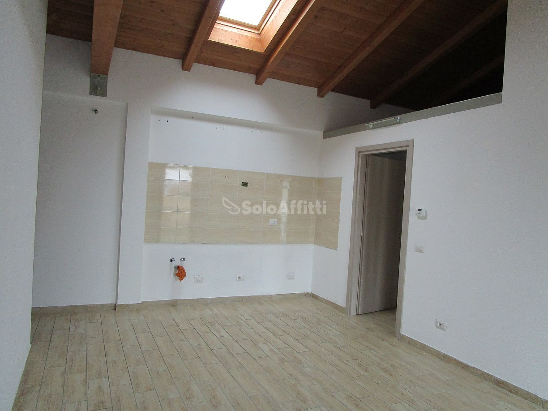 Bilocale Linarolo Via Roma 8 3