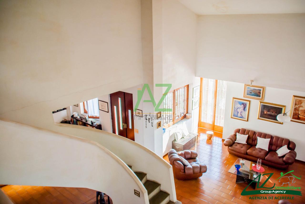 Villa in vendita a Acireale, 7 locali, prezzo € 258.000 | Cambio Casa.it