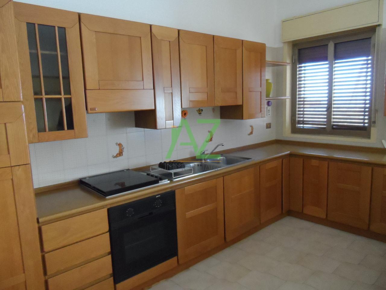 Appartamento in affitto a Belpasso, 4 locali, prezzo € 430 | Cambio Casa.it