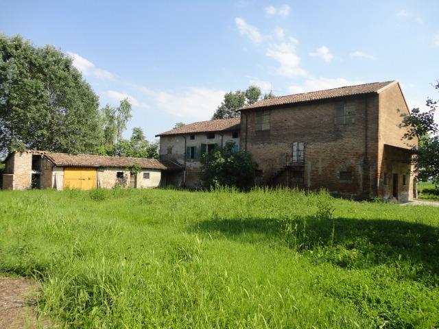 Rustico / Casale in vendita a Sissa-Trecasali, 12 locali, prezzo € 110.000 | Cambio Casa.it