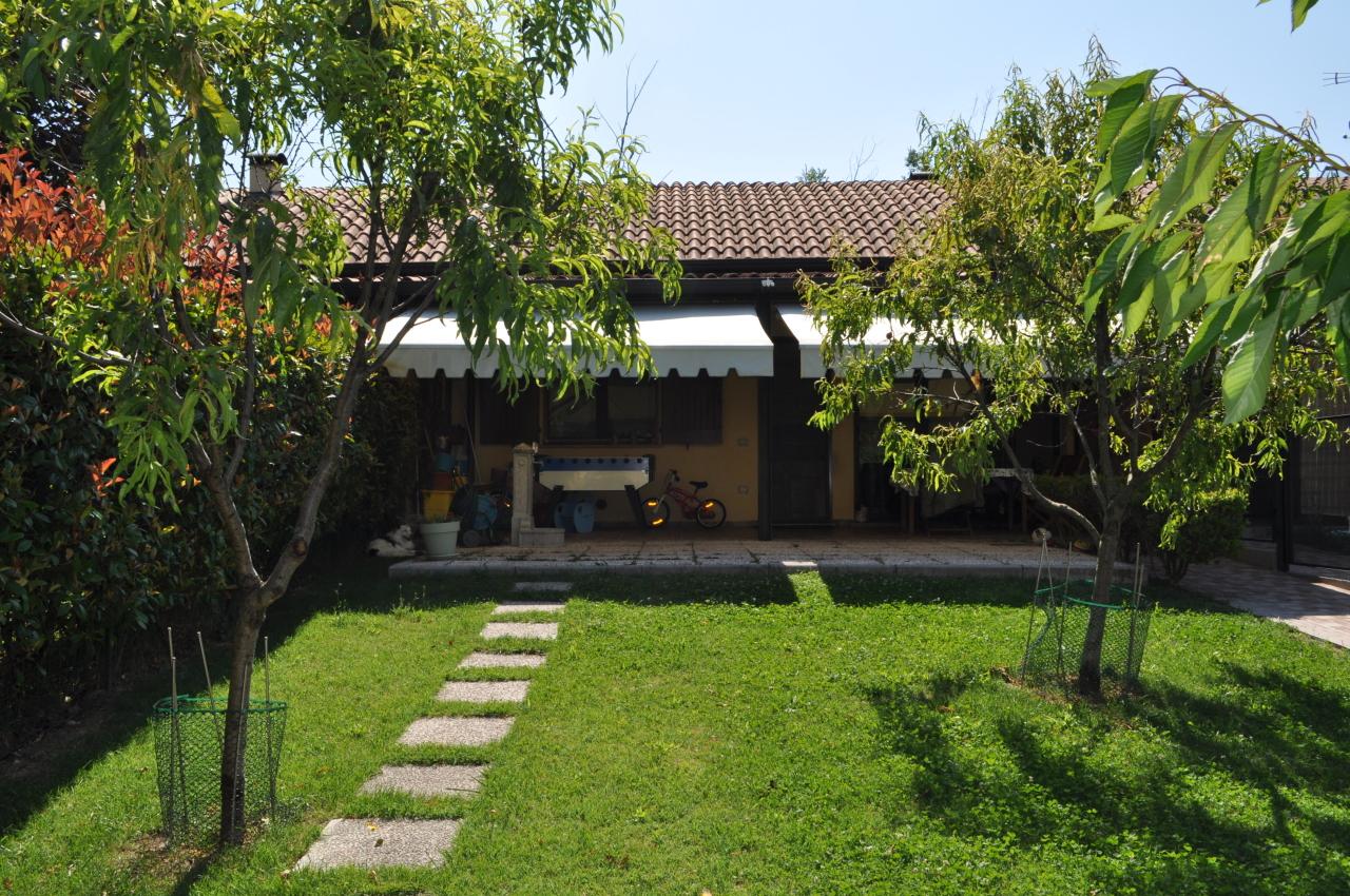 Villa a Schiera in Vendita a Felino
