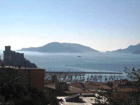 Villa in vendita a Lerici, 5 locali, prezzo € 750.000 | Cambio Casa.it