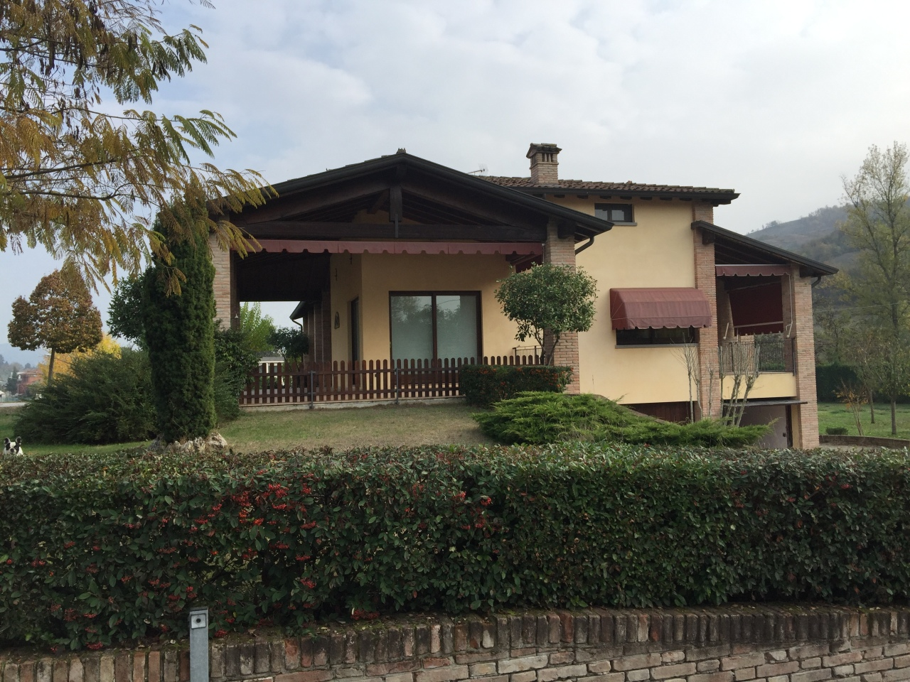 Soluzione Indipendente in vendita a Traversetolo, 10 locali, prezzo € 850.000 | Cambio Casa.it