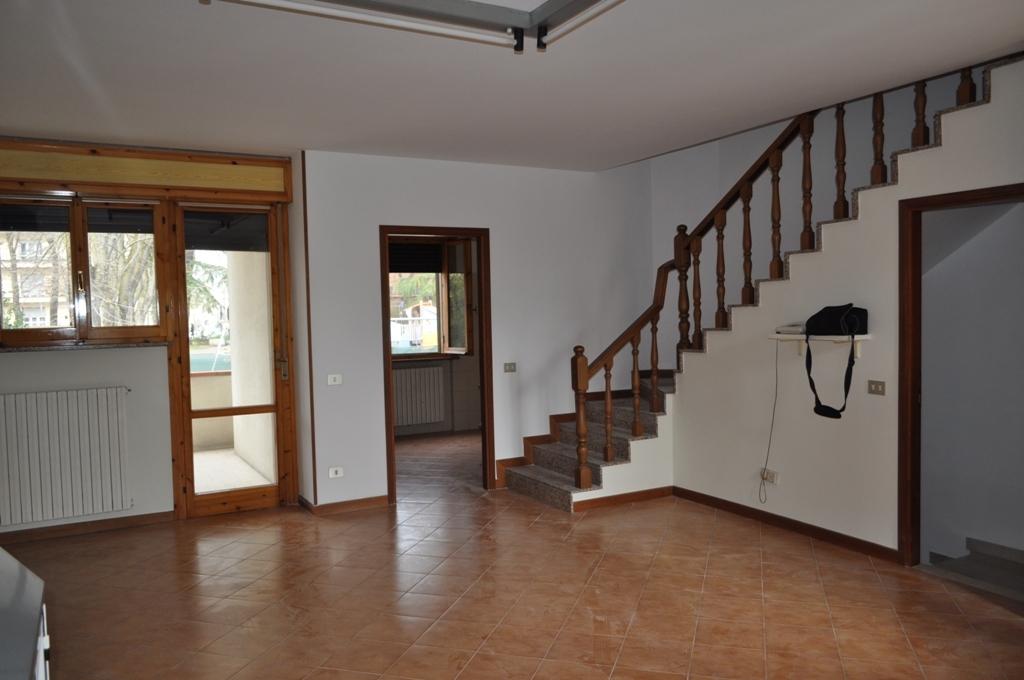 Villa a Schiera in Vendita a Traversetolo