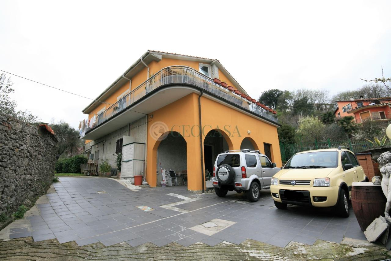 Villa in vendita a La Spezia, 9 locali, prezzo € 450.000 | Cambio Casa.it