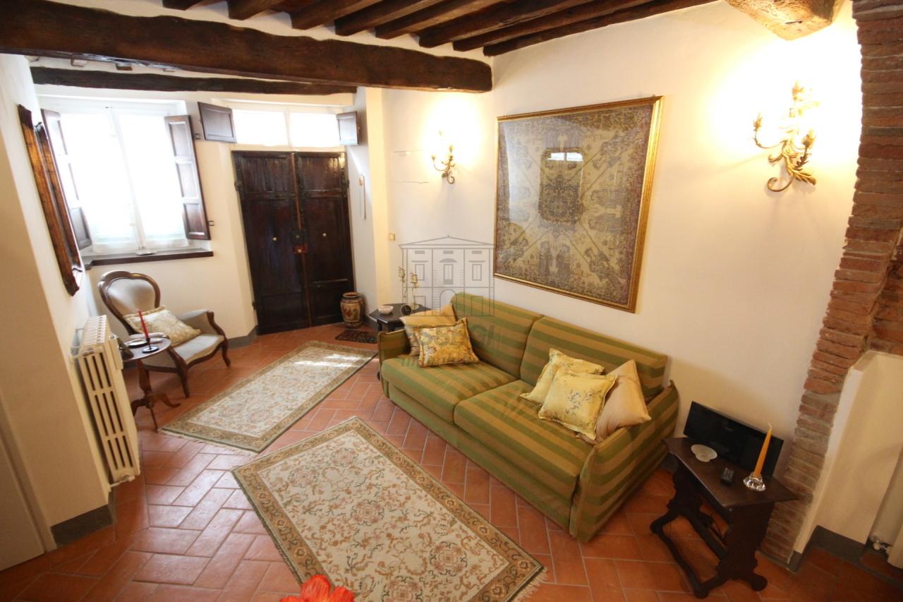 Appartamento Lucca Centro storico IA03309 img 3