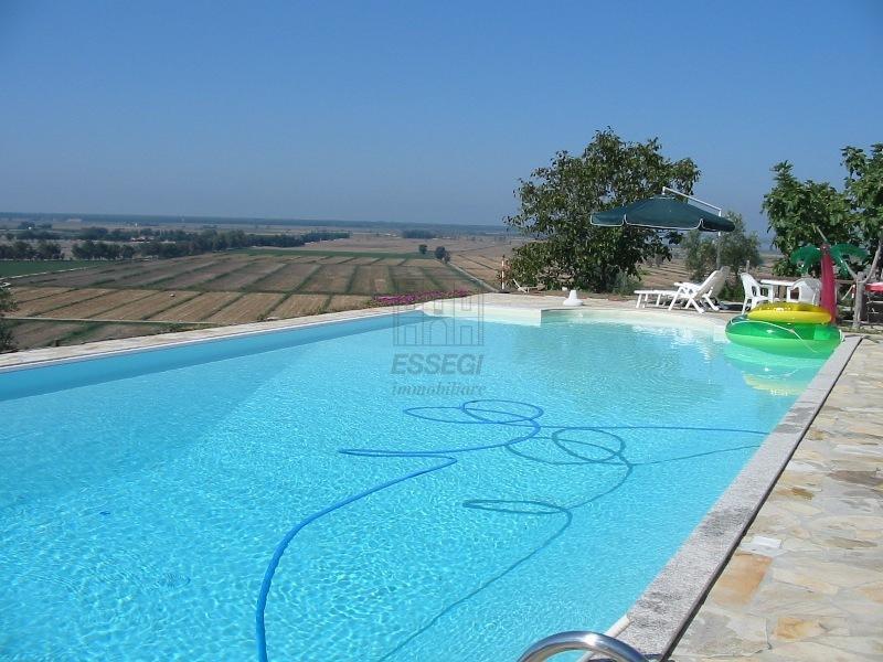 Albergo in vendita a Massarosa, 10 locali, prezzo € 950.000 | Cambio Casa.it