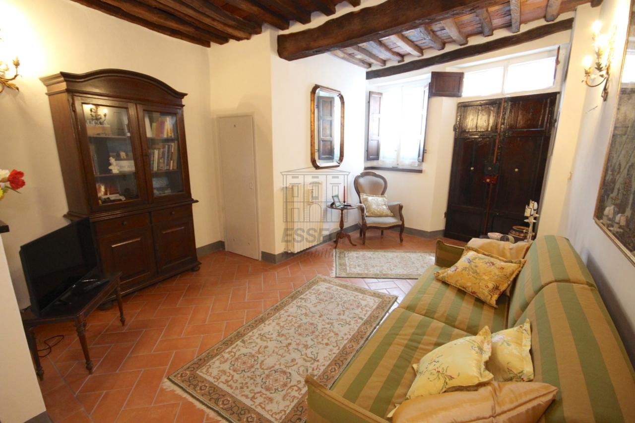 Appartamento Lucca Centro storico IA03309 img 2