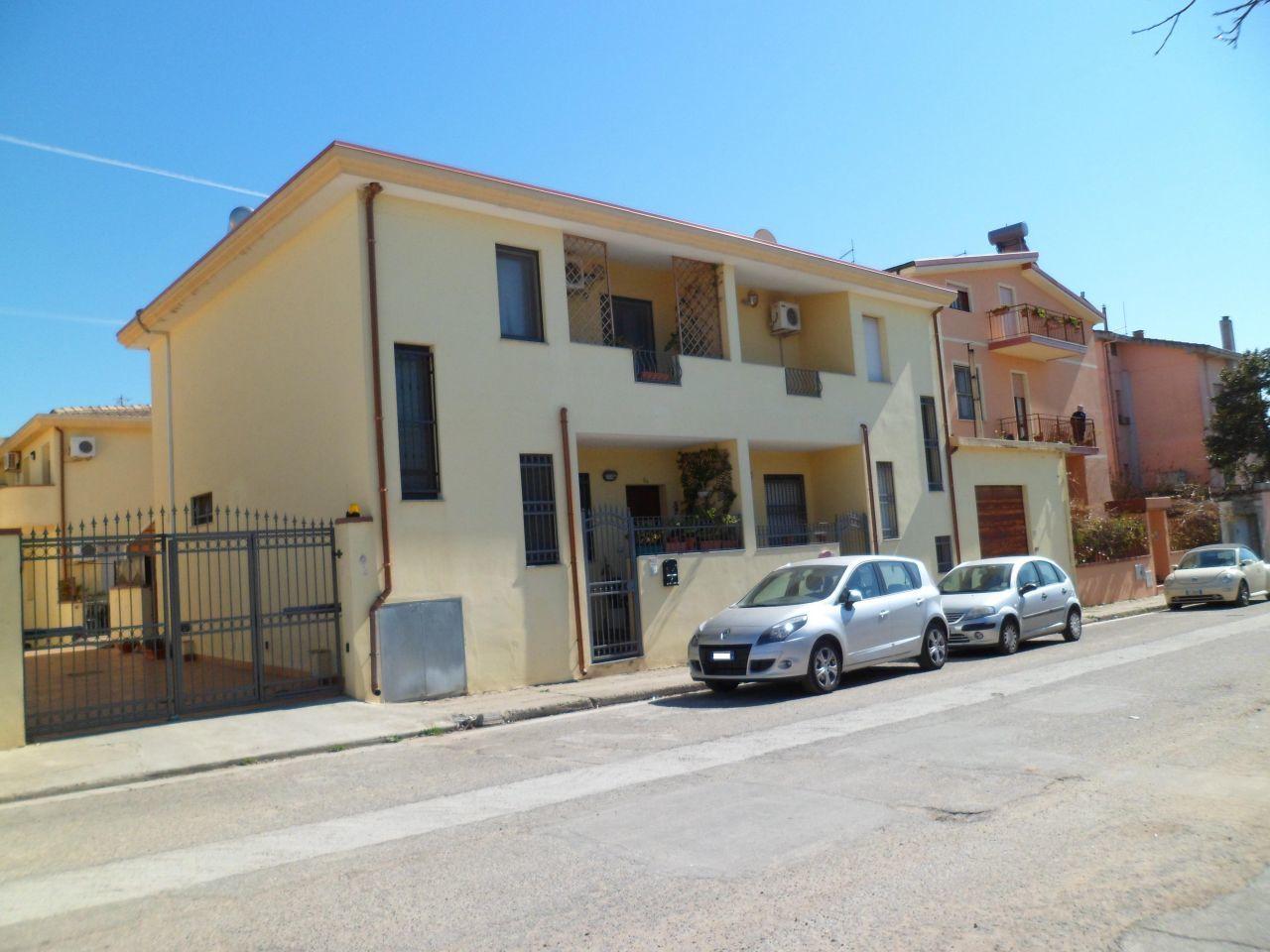 Villa a Schiera in vendita a Dolianova, 4 locali, prezzo € 190.000 | Cambio Casa.it