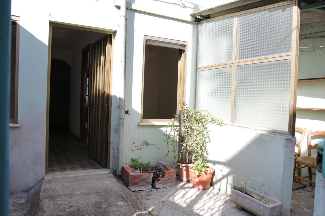 Soluzione Indipendente in vendita a Uta, 3 locali, prezzo € 48.000 | Cambio Casa.it