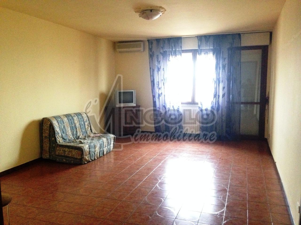 Appartamento in vendita a Occhiobello, 5 locali, prezzo € 68.000 | Cambio Casa.it