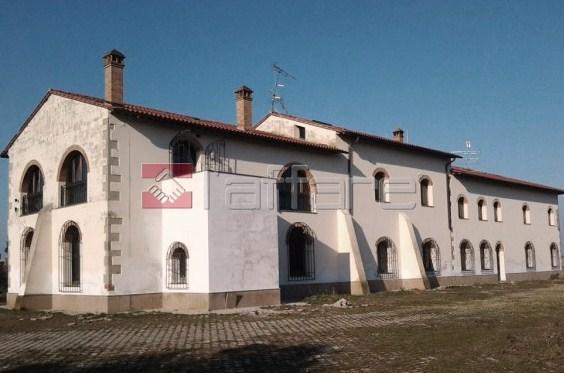 Villa in vendita a Chianni, 28 locali, prezzo € 640.000 | Cambio Casa.it