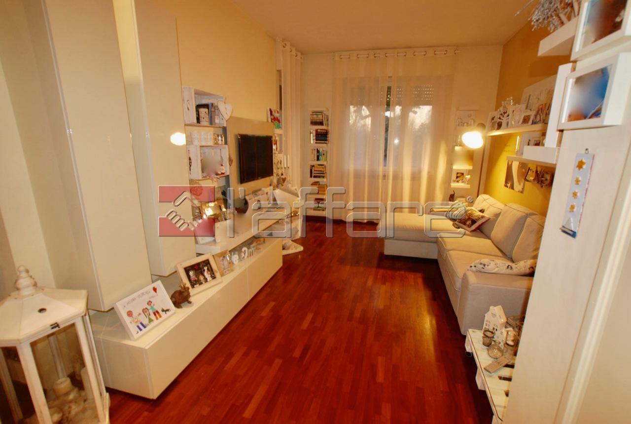 Appartamento in vendita a Pontedera, 4 locali, prezzo € 117.000 | CambioCasa.it
