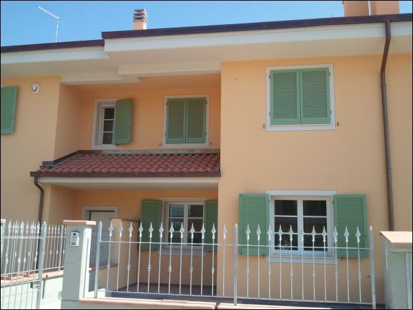 Villa a Schiera in vendita a Massa e Cozzile, 7 locali, prezzo € 345.000 | Cambio Casa.it