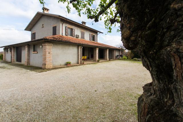 Vai alla scheda: Casa indipendente Vendita - Cesena (FC) - Codice -2939