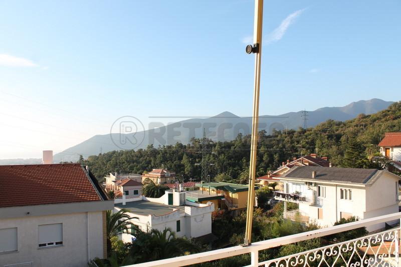 Appartamento in vendita a Loano, 3 locali, prezzo € 275.000 | Cambio Casa.it