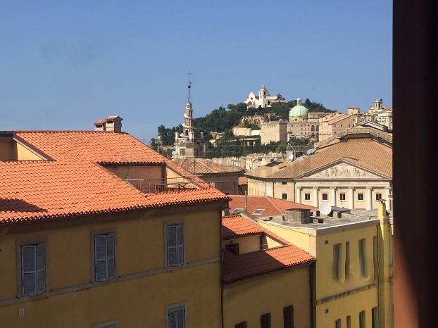 Bilocale Ancona Via Astagno 10