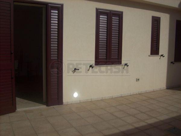 Appartamento in vendita a Uggiano La Chiesa, 2 locali, prezzo € 59.000 | Cambio Casa.it