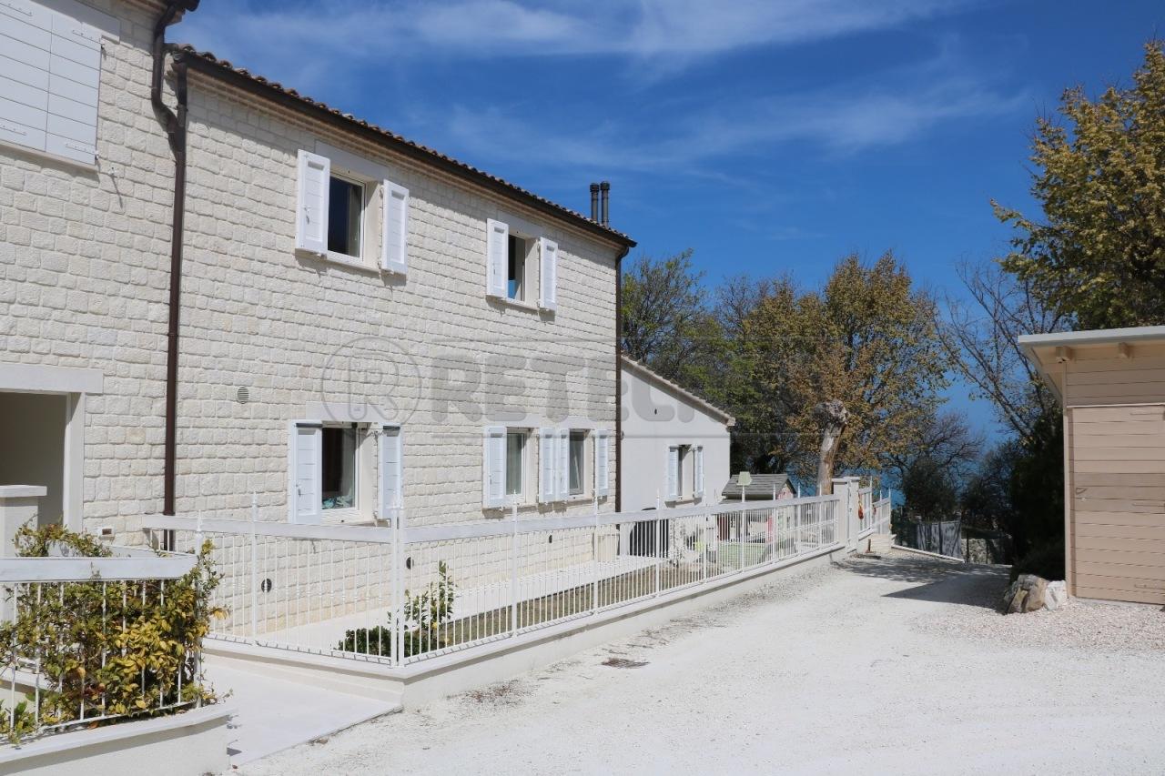 ancona vendita quart: pietralacroce adriatica-immobiliare-s.r.l.