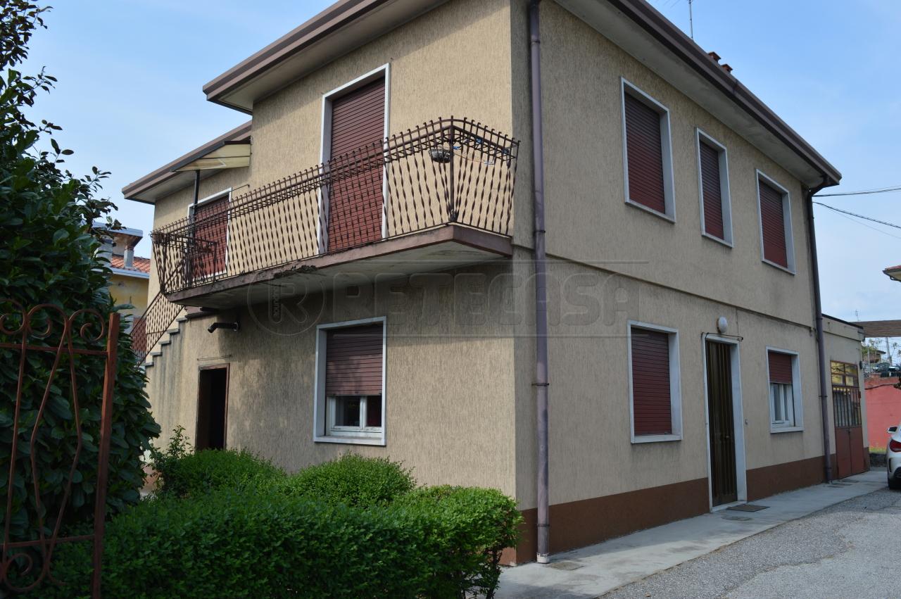 Soluzione Indipendente in vendita a Montecchio Maggiore, 9999 locali, prezzo € 180.000 | Cambio Casa.it