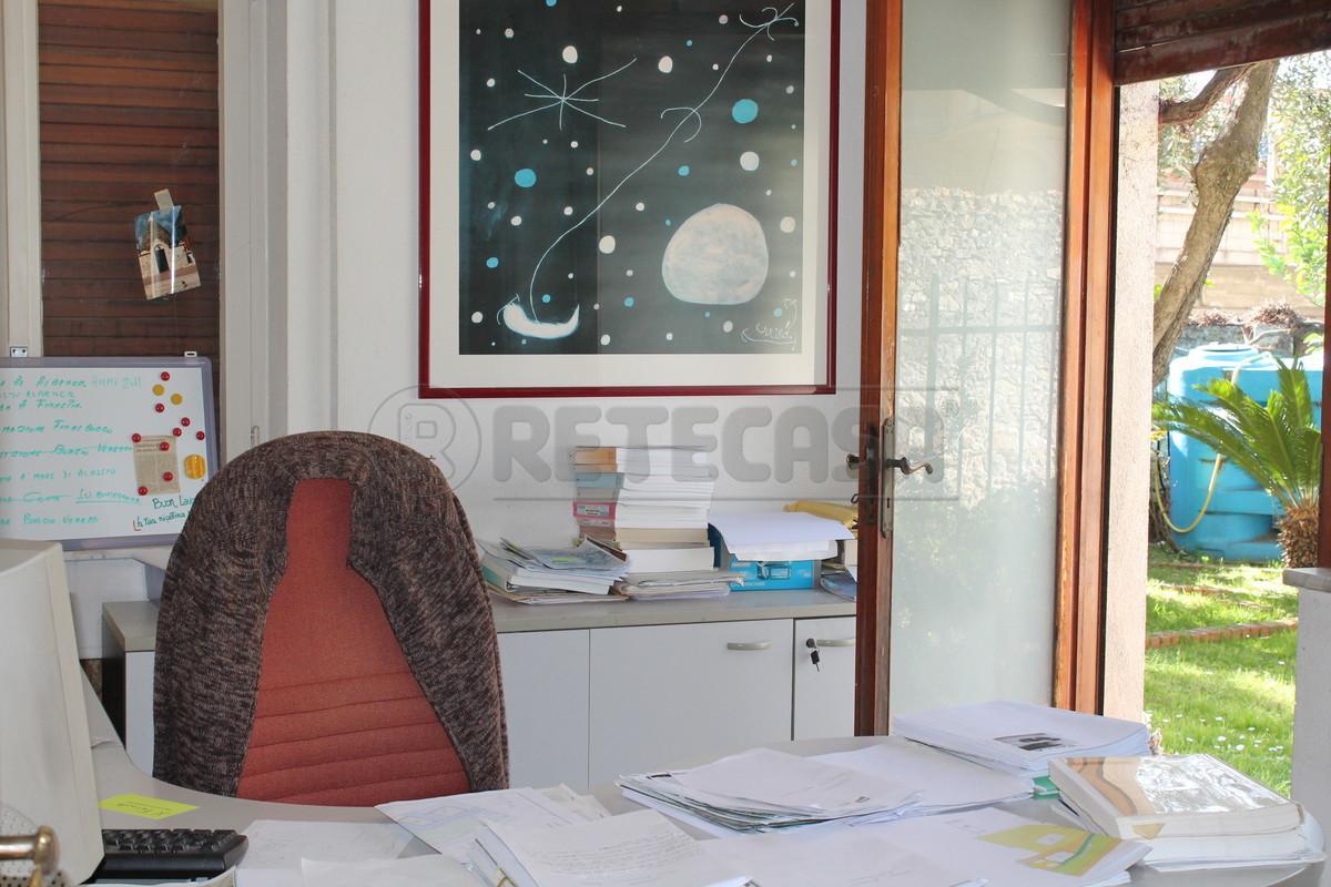 Attività / Licenza in vendita a Finale Ligure, 9999 locali, Trattative riservate | Cambio Casa.it