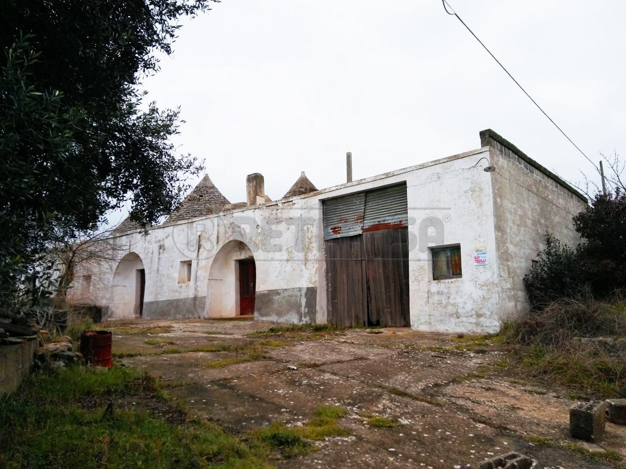Rustico / Casale in vendita a Locorotondo, 15 locali, prezzo € 190.000 | Cambio Casa.it