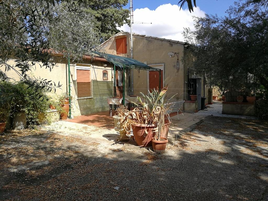 Casa indipendente trilocale in vendita a Caltanissetta (CL)