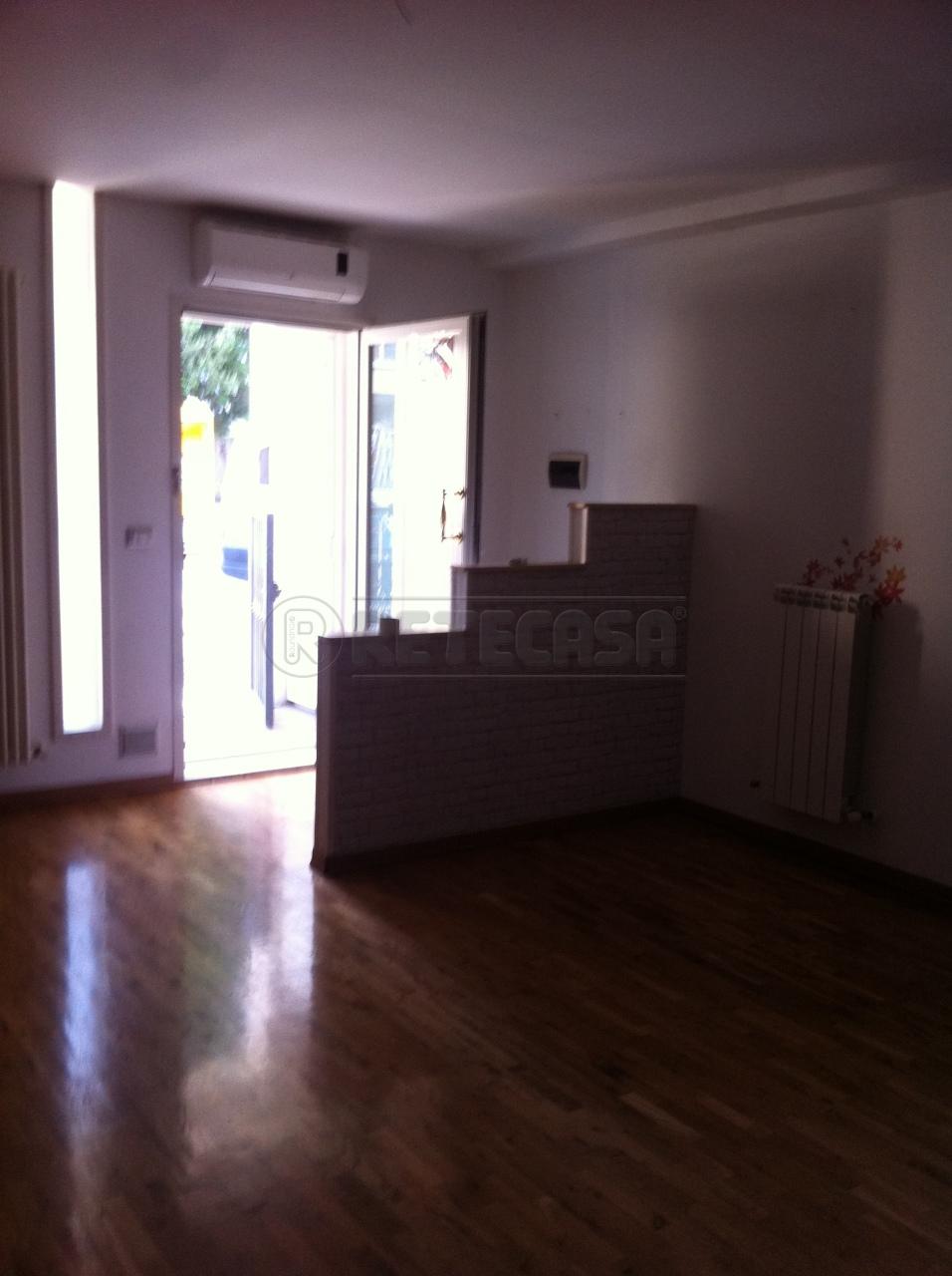 Appartamento trilocale in vendita a Ancona (AN)-19