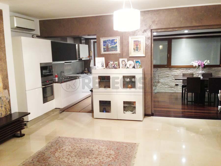 Villa in vendita a Bisceglie, 5 locali, prezzo € 380.000 | Cambio Casa.it