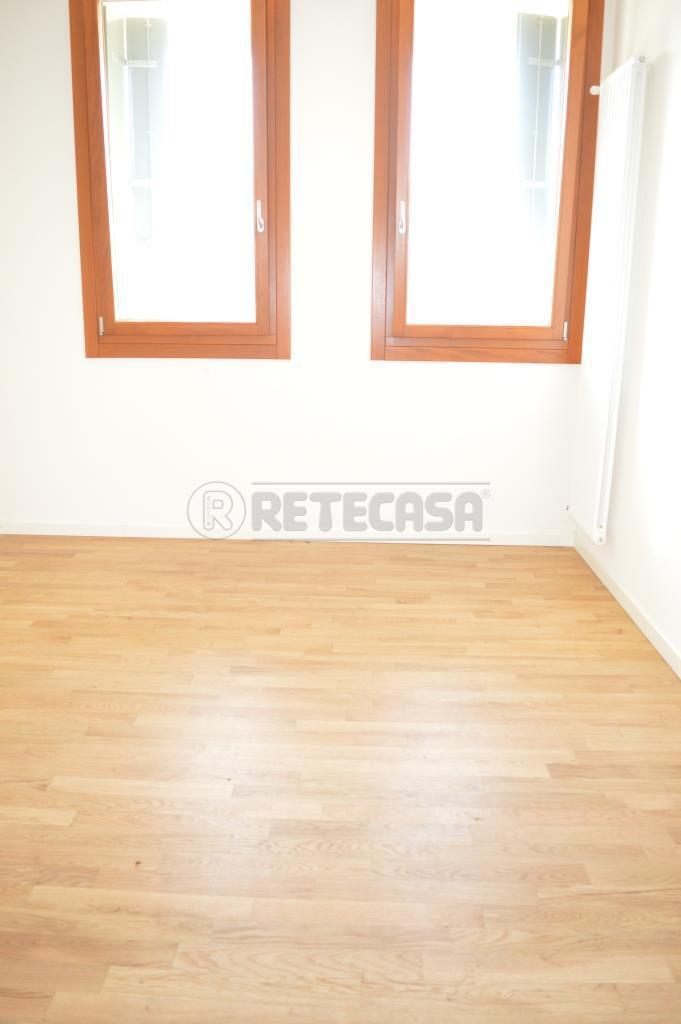 Appartamento in vendita a Isola Vicentina, 4 locali, prezzo € 135.000 | Cambio Casa.it