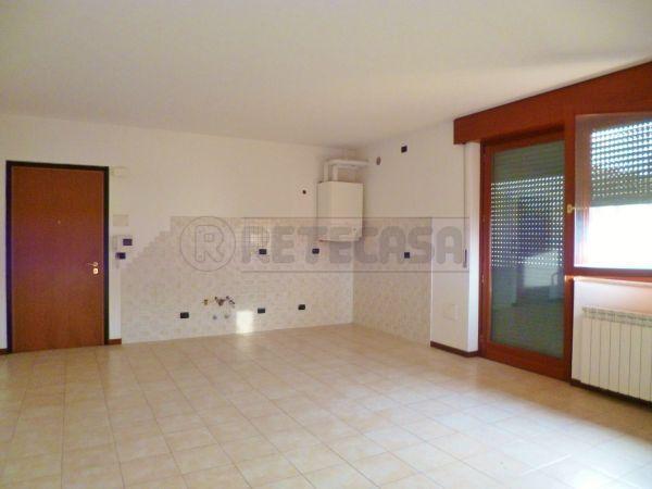 Appartamento in vendita a Montecchia di Crosara, 6 locali, prezzo € 118.000 | Cambio Casa.it