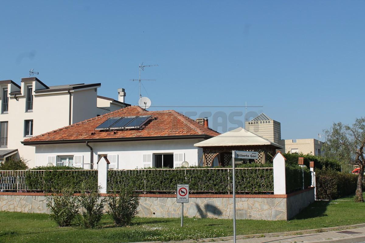 Villa in vendita a Borghetto Santo Spirito, 9999 locali, prezzo € 490.000 | Cambio Casa.it