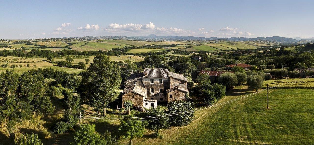 Rustico / Casale in vendita a Ostra Vetere, 10 locali, prezzo € 250.000 | Cambio Casa.it
