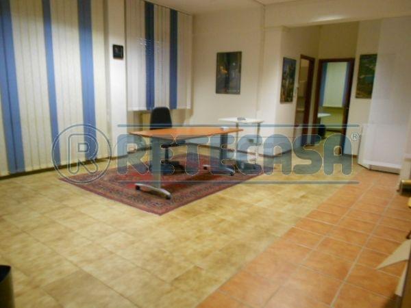 Ufficio / Studio in affitto a Ancona, 3 locali, prezzo € 400 | Cambio Casa.it