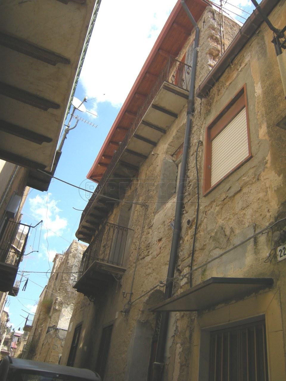Appartamento in vendita a Caltanissetta, 3 locali, prezzo € 3.000 | Cambio Casa.it