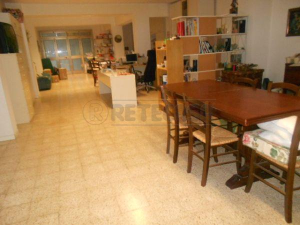 Diviso in ambienti/Locali in vendita a Ancona in Brecce Bianche