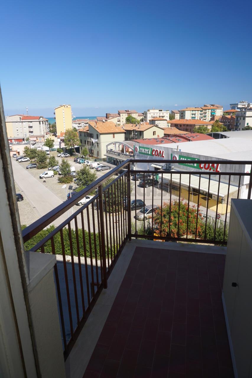 Bilocale Ancona Via Tronto 8