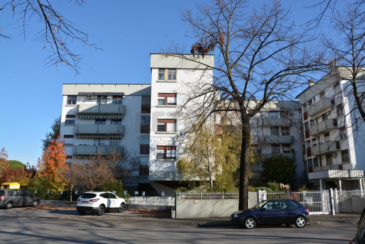 Appartamento in vendita a Udine, 6 locali, prezzo € 139.000 | Cambio Casa.it