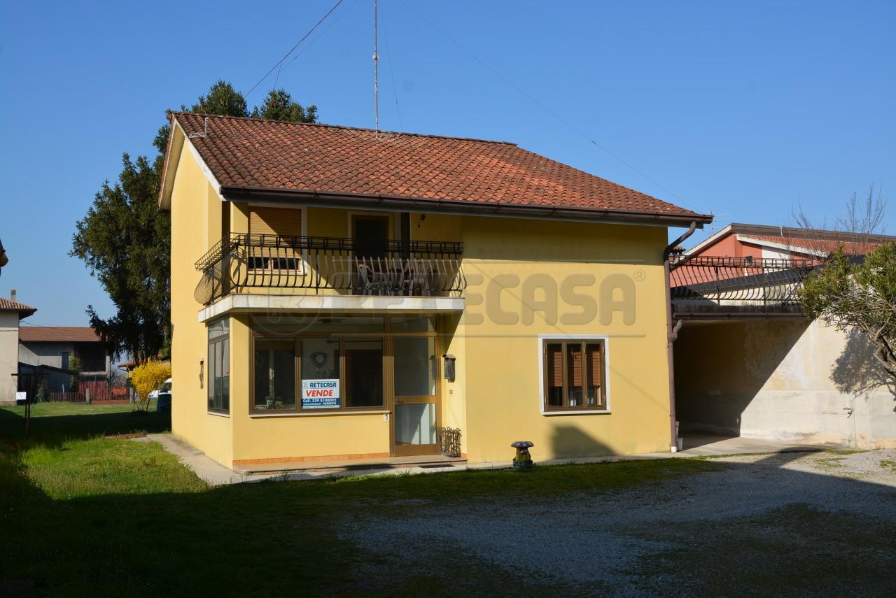 Soluzione Indipendente in vendita a Mortegliano, 7 locali, prezzo € 129.000 | Cambio Casa.it