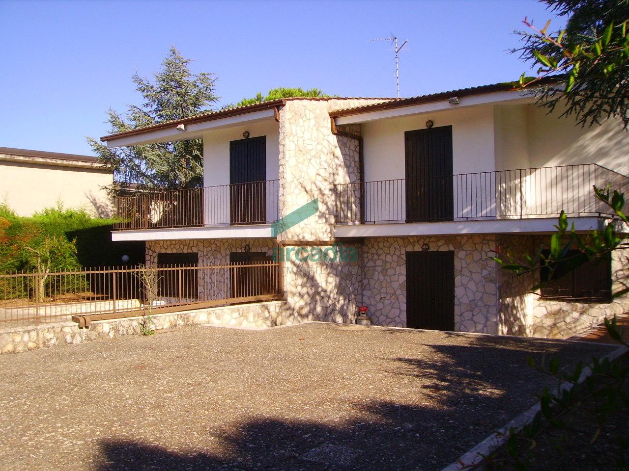 Villa in Vendita a Toritto