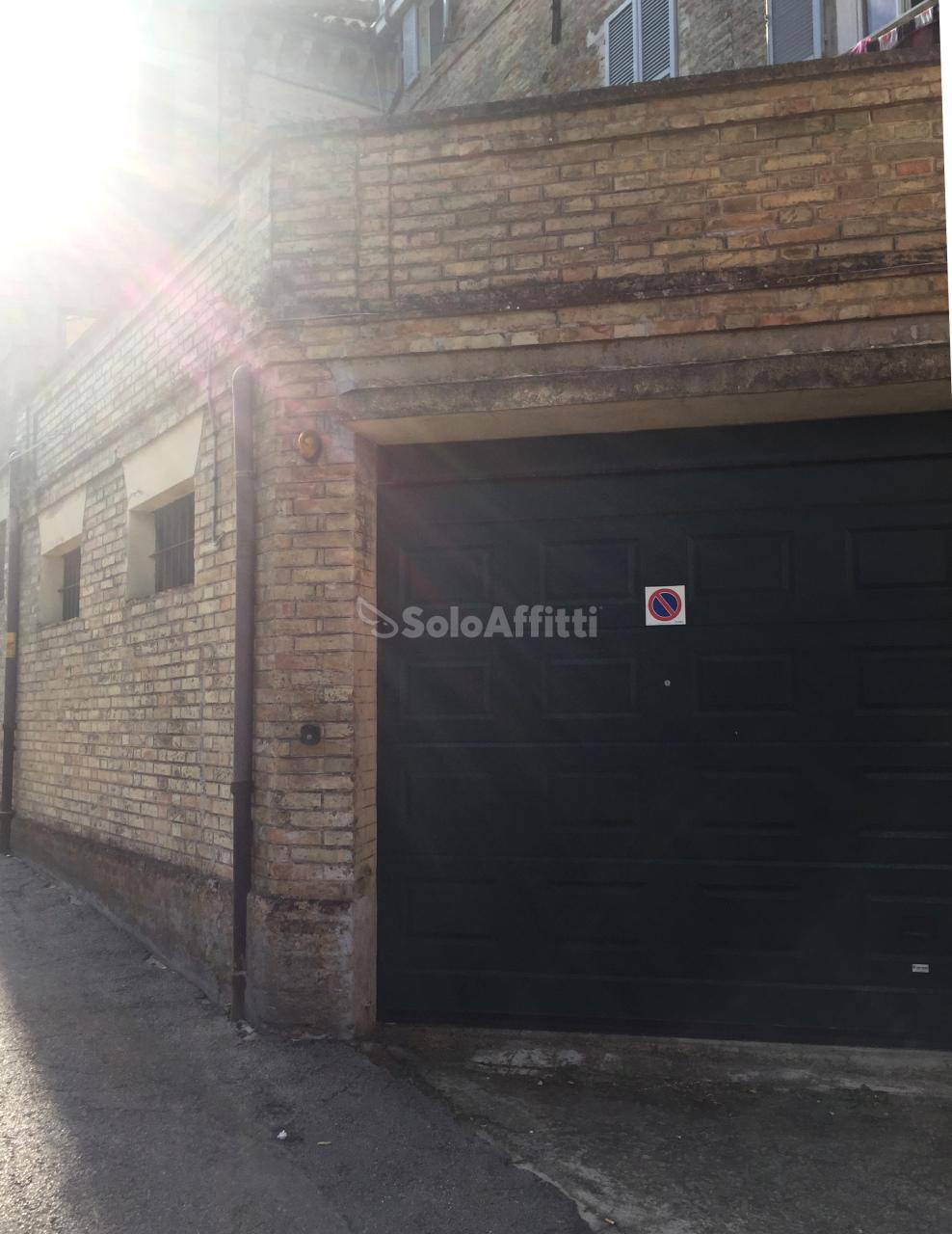 Garage/Box/Posto auto in affitto a Castelfidardo (AN)