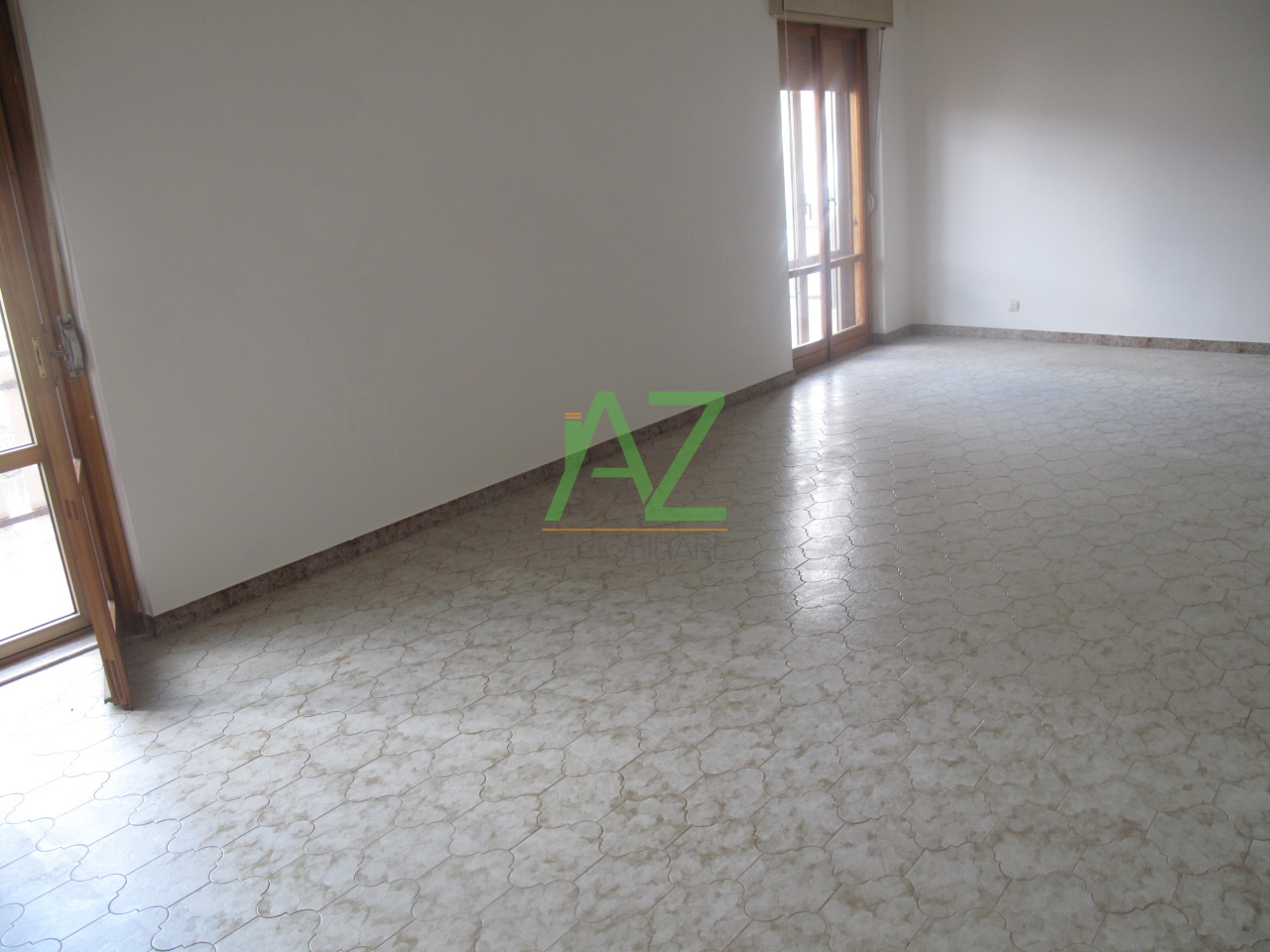 Appartamento in affitto a Motta Sant'Anastasia, 5 locali, prezzo € 500 | Cambio Casa.it