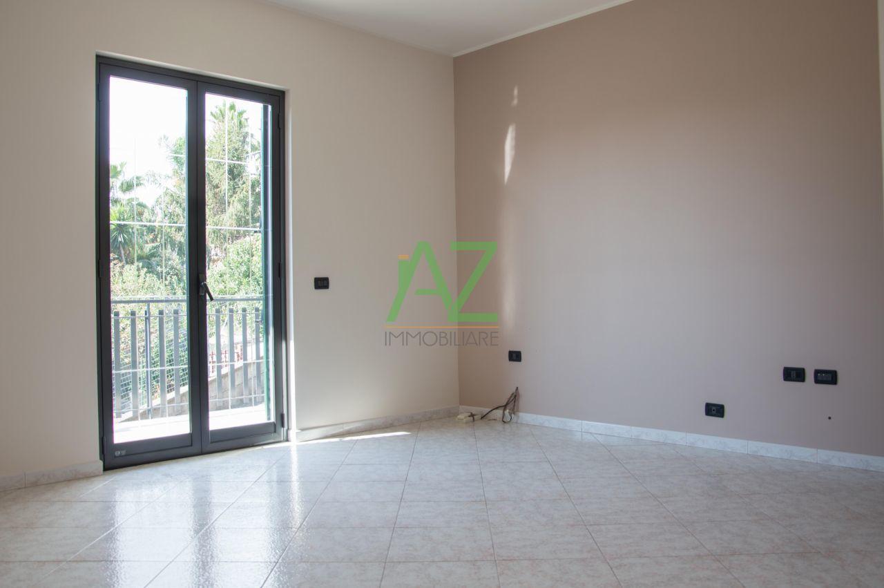 Appartamento in vendita a Aci Sant'Antonio, 6 locali, prezzo € 220.000 | Cambio Casa.it