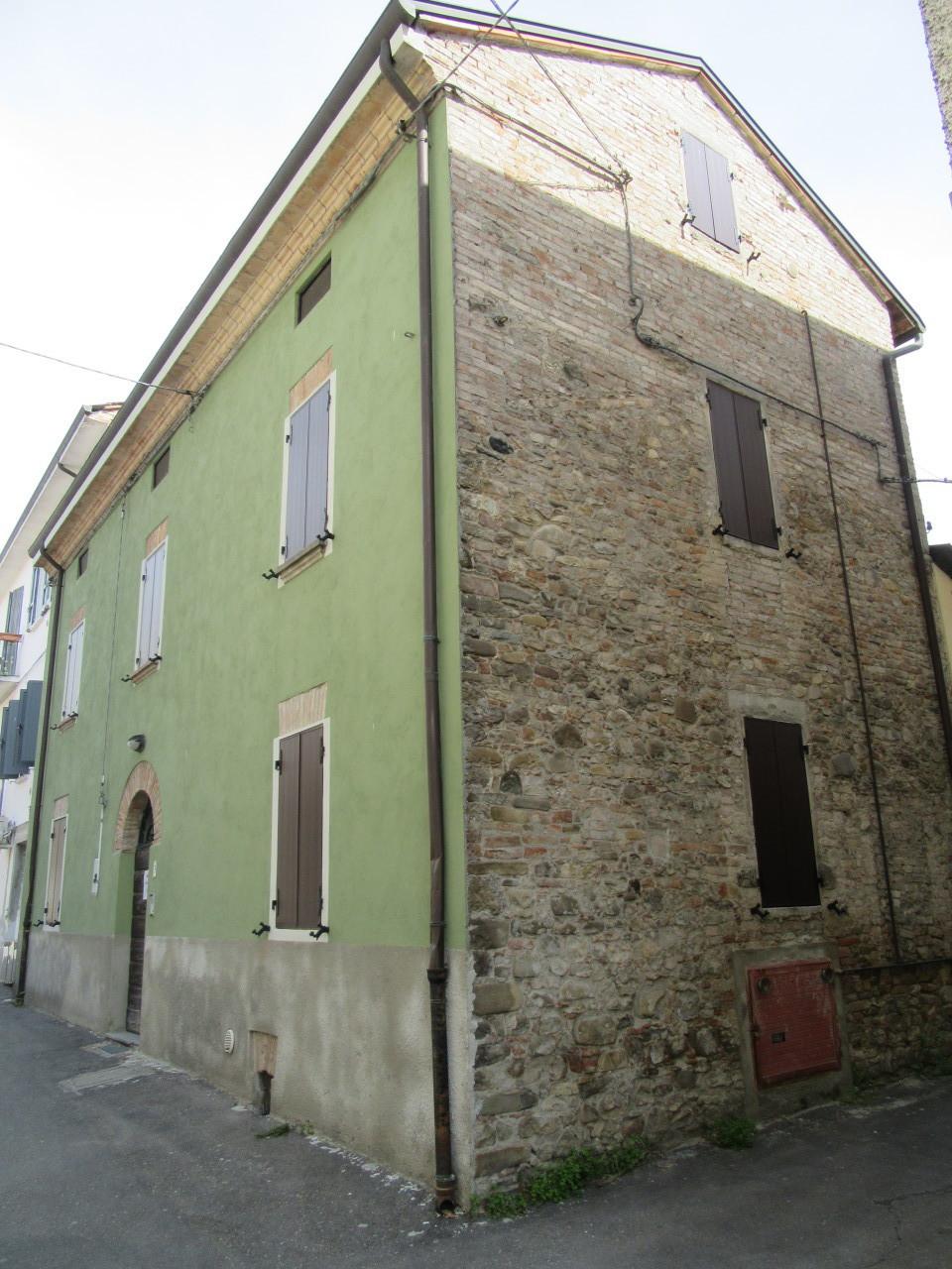 Soluzione Indipendente in vendita a Medesano, 4 locali, prezzo € 187.000 | Cambio Casa.it