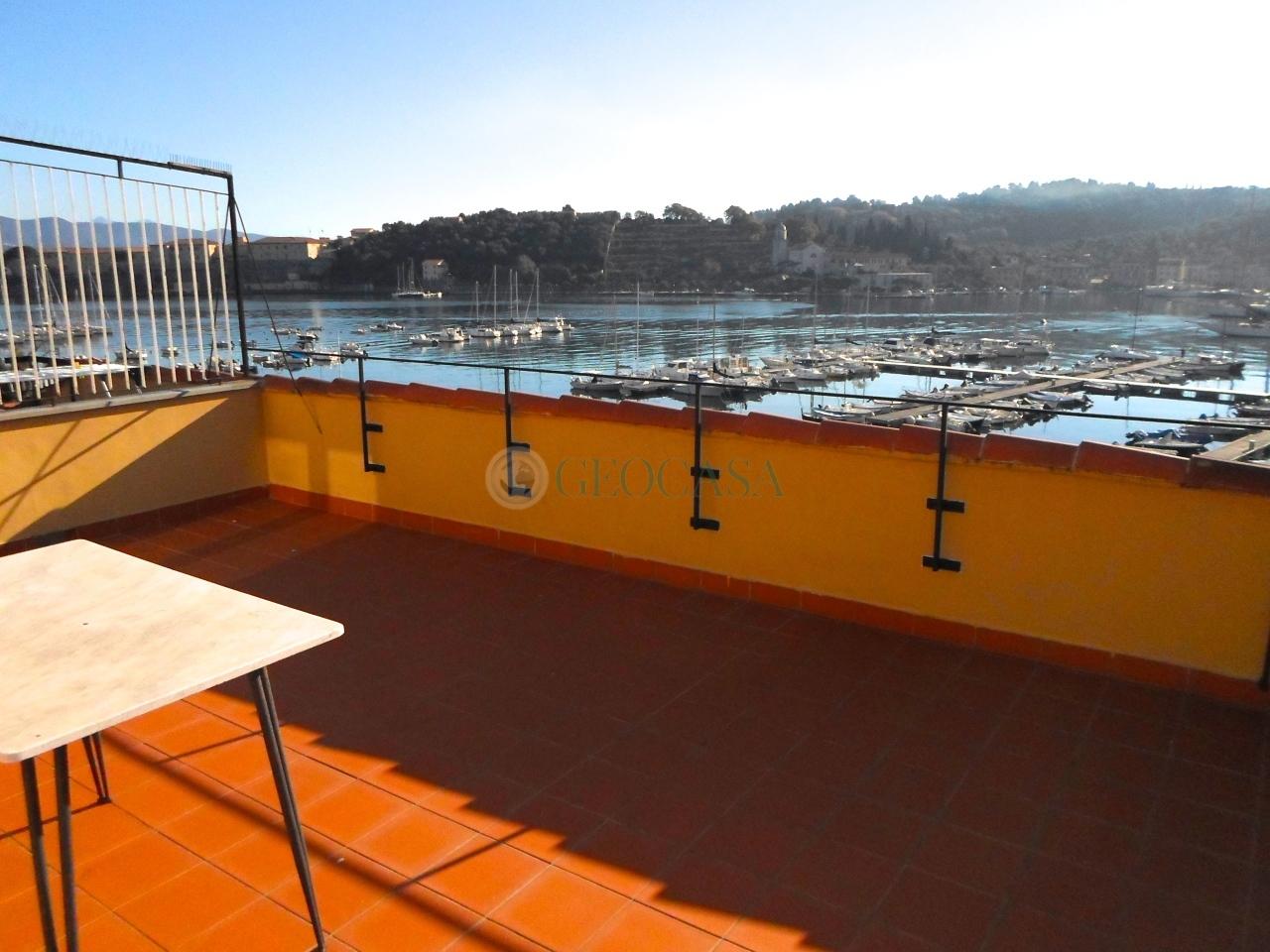Attico / Mansarda in vendita a Portovenere, 5 locali, prezzo € 500.000 | Cambio Casa.it