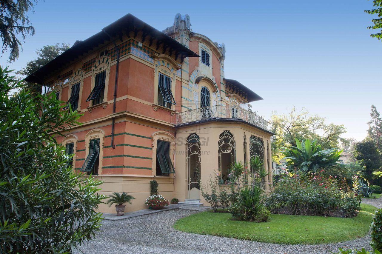 Vendesi perestigiosa villa Lucca