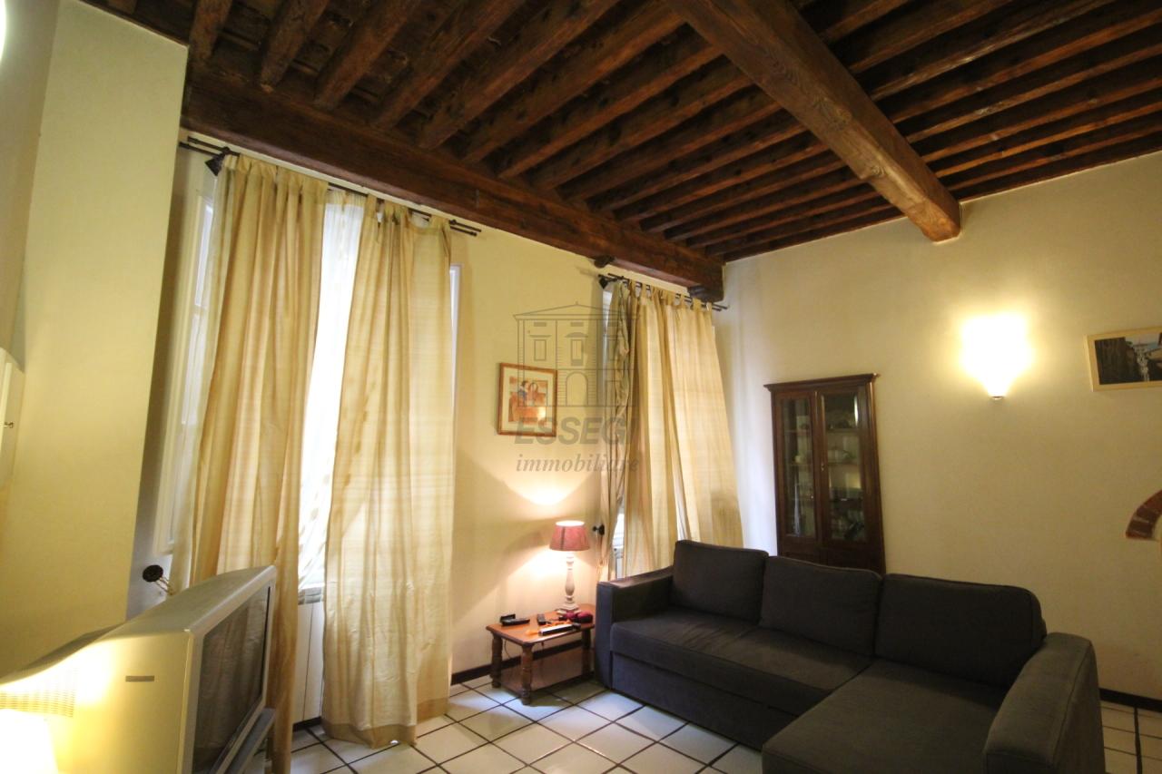 Appartamento Lucca Centro storico IA02948 img 6